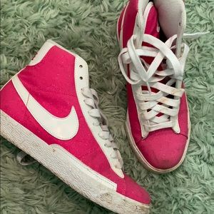 Hot pink sparkle retro Nike's size 5